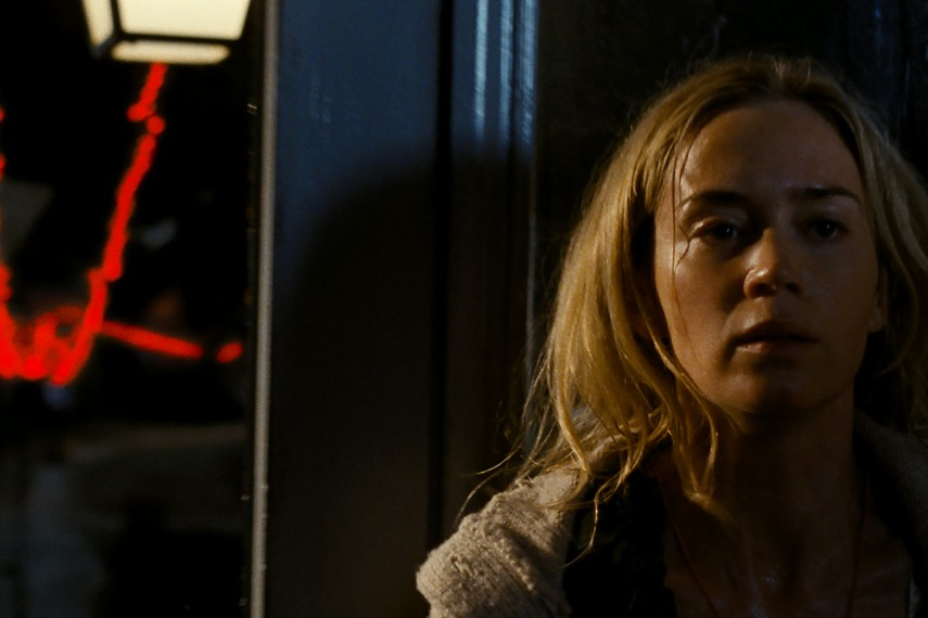 /db_data/movies/quietplace/scen/l/410_02_-_Emily_Blunt.jpg