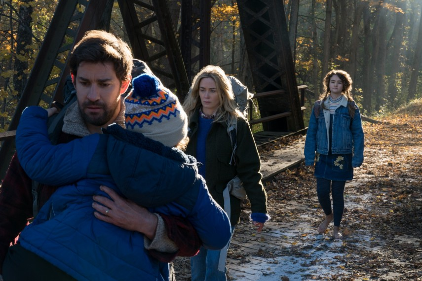 /db_data/movies/quietplace/scen/l/410_22_-_Cade_Woodward_John_Kr.jpg