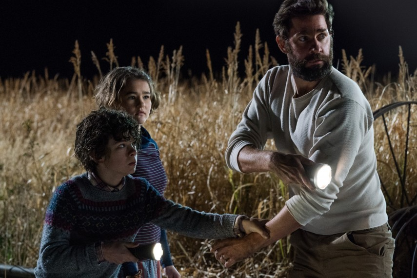 /db_data/movies/quietplace/scen/l/410_23_-_Noah_Jupe_John_Krasin.jpg