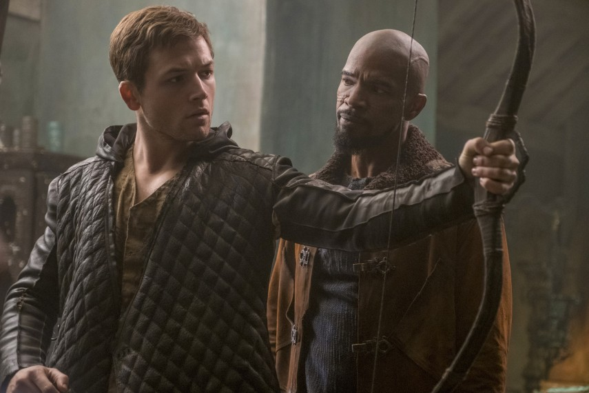 /db_data/movies/robinhood2017/scen/l/410_04_-_Robin_Taron_Egerton_L.jpg