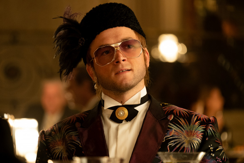 /db_data/movies/rocketman/scen/l/410_18_-_Elton_John_Taron_Egerton_ov_org.jpg