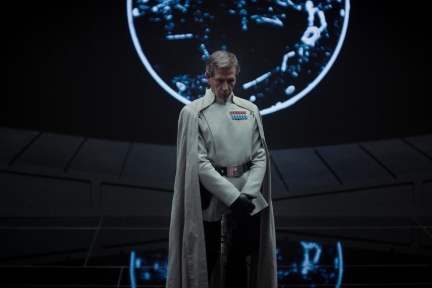 /db_data/movies/rogueoneastarwarsstory/scen/l/410_03_-_Ben_Mendelsohn.jpg
