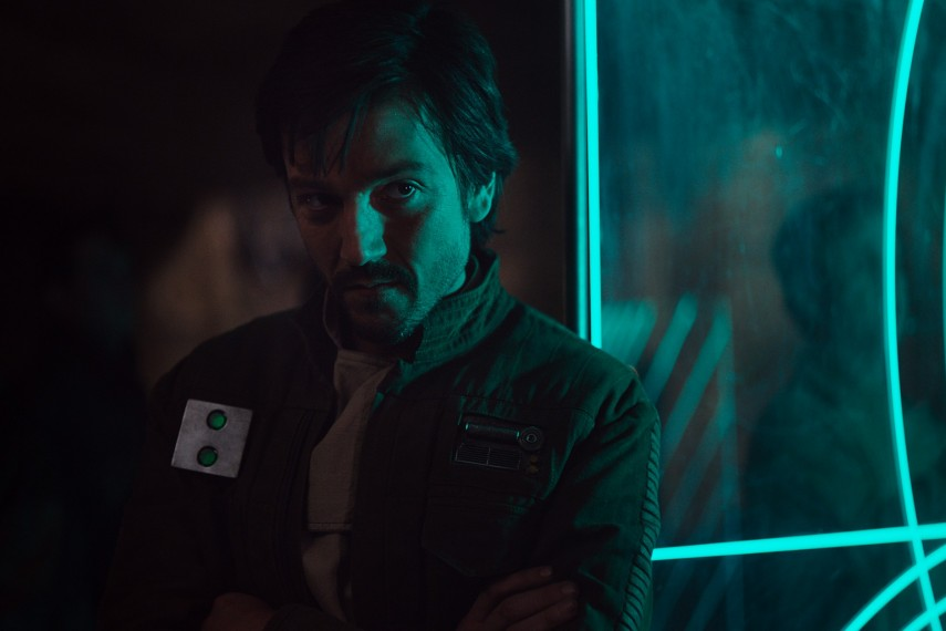 /db_data/movies/rogueoneastarwarsstory/scen/l/410_09_-_Diego_Luna.jpg