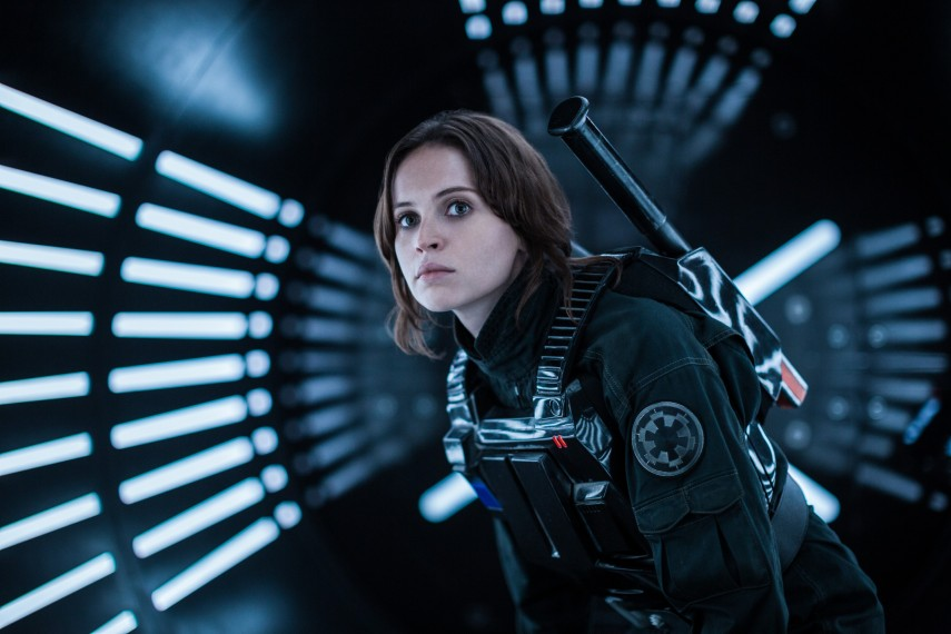 /db_data/movies/rogueoneastarwarsstory/scen/l/410_20_-_Jyn_Erso_Felicity_Jones.jpg
