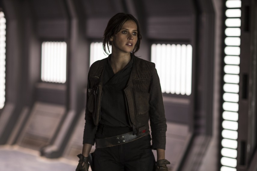 /db_data/movies/rogueoneastarwarsstory/scen/l/410_31_-_Jyn_Erso_Felicity_Jones.jpg
