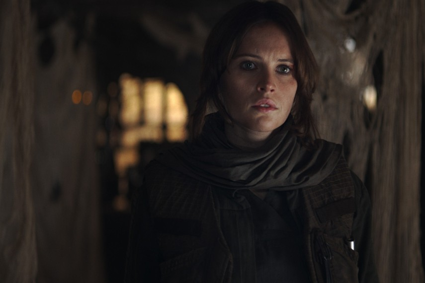 /db_data/movies/rogueoneastarwarsstory/scen/l/410_32_-_Jyn_Erso_Felicity_Jones.jpg
