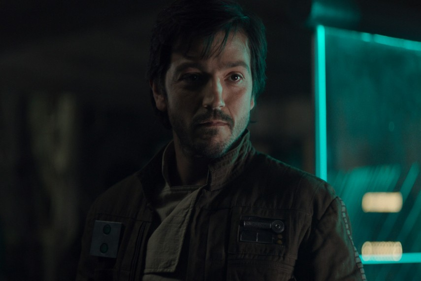 /db_data/movies/rogueoneastarwarsstory/scen/l/410_35_-_Captain_Cassian_Andor.jpg