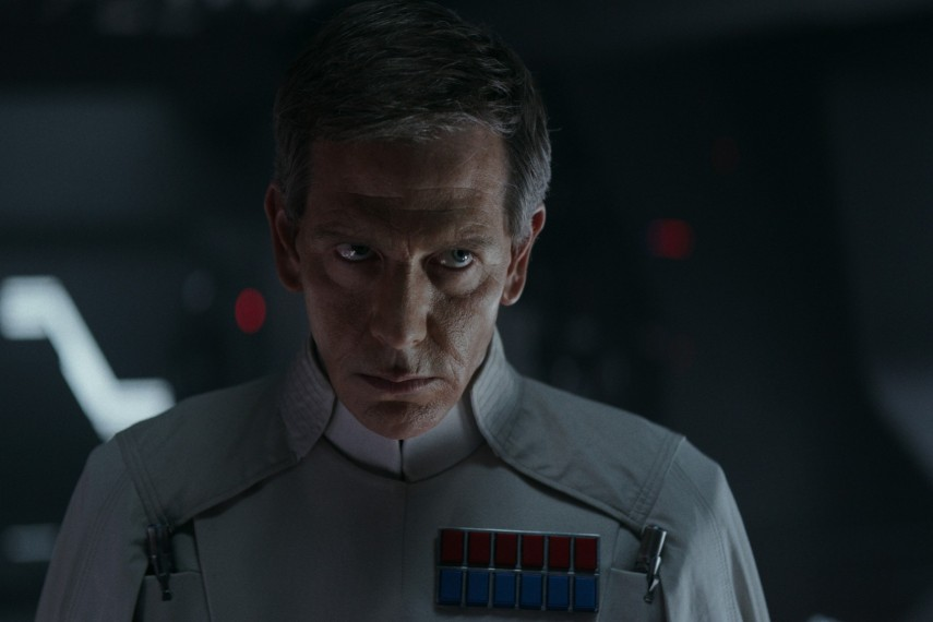 /db_data/movies/rogueoneastarwarsstory/scen/l/410_41_-_Director_Orson_Krenni.jpg