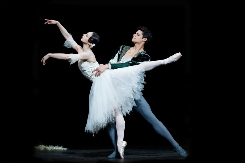 /db_data/movies/royaloperahousegiselle/scen/l/7969962842_739e1d77cf_b.jpg