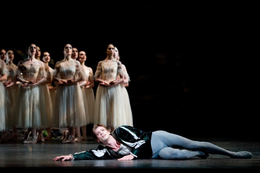 /db_data/movies/royaloperahousegiselle/scen/l/9470596943_0af780956f_b.jpg
