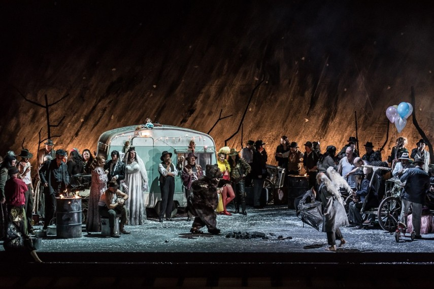 /db_data/movies/royaloperahouseiltrovatore/scen/l/28003592752_8075428530_b.jpg