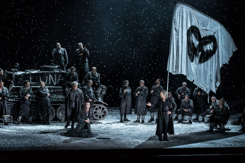 /db_data/movies/royaloperahouseiltrovatore/scen/l/28004675812_8462162628_b.jpg