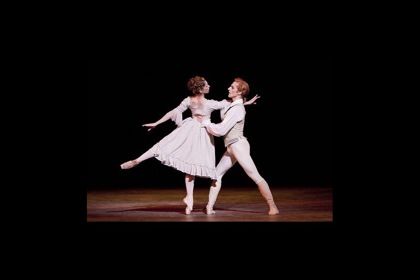 /db_data/movies/royaloperahousemanon/scen/l/6048517505_54e65ffeaa.jpg