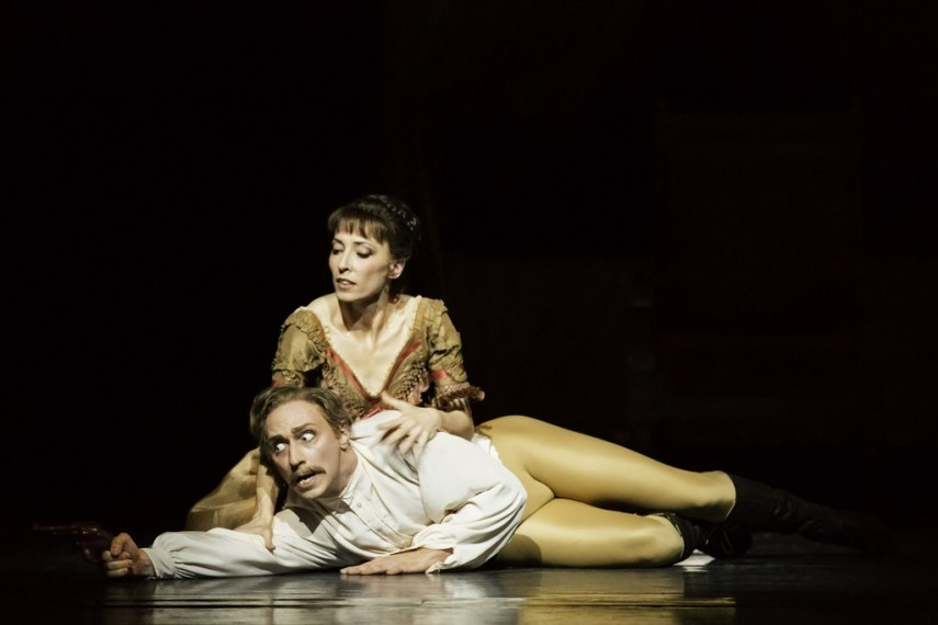 /db_data/movies/royaloperahousemayerling/scen/l/9023111491_70b731c17d_b.jpg