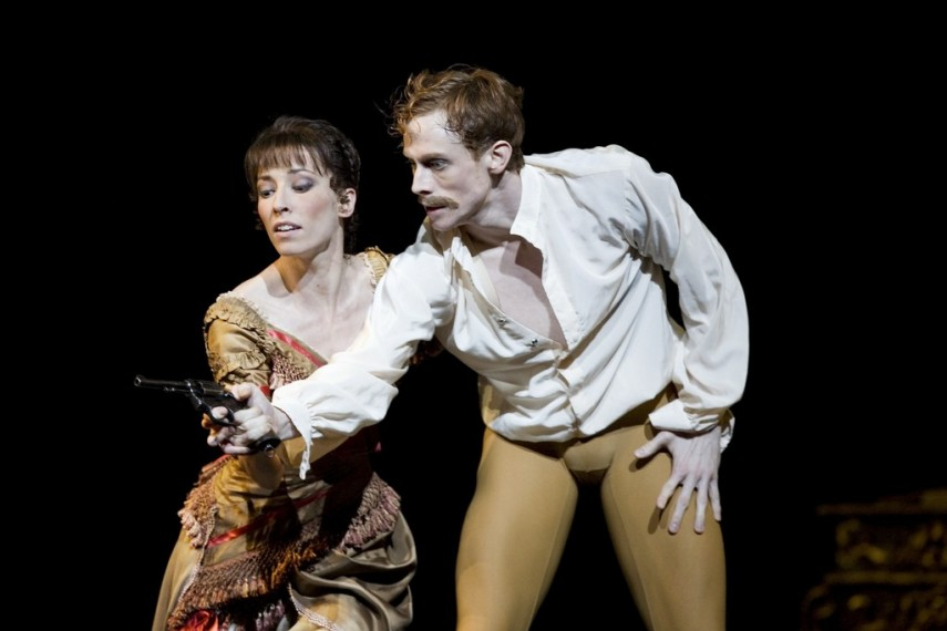 /db_data/movies/royaloperahousemayerling/scen/l/9023139453_3c37824d5f_b.jpg
