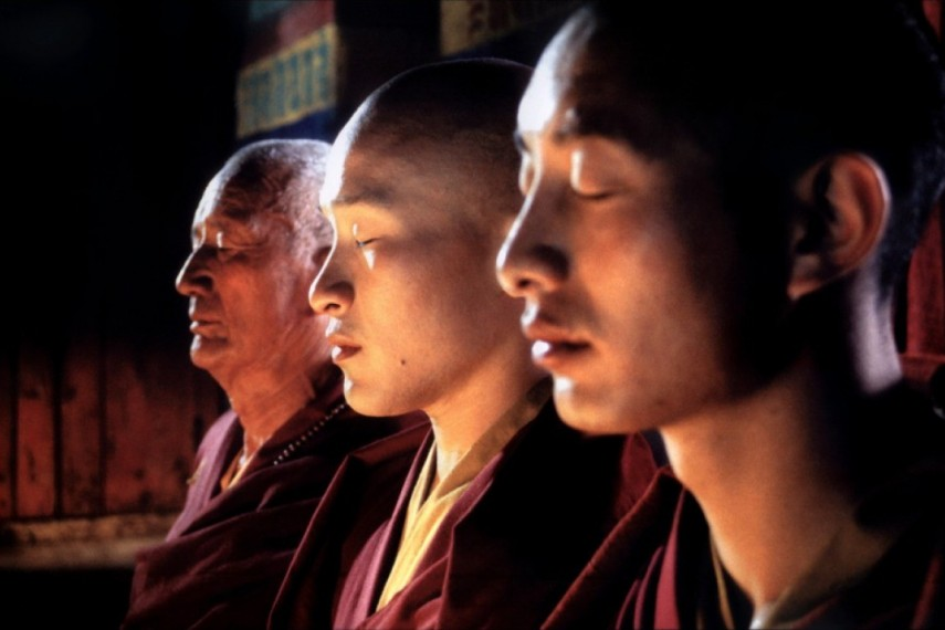 /db_data/movies/samsara/scen/l/samsara-2001-04-g.jpg