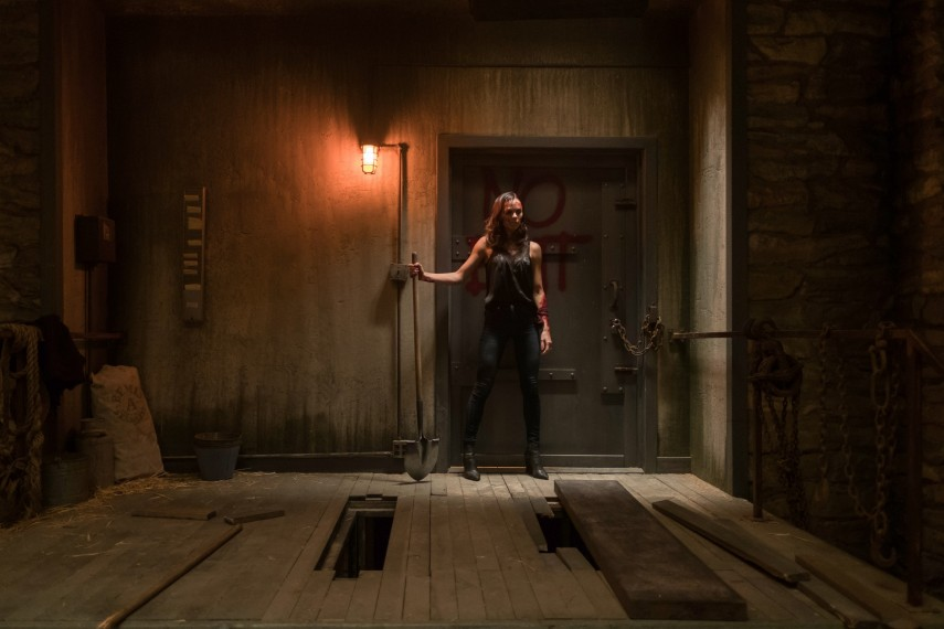 /db_data/movies/saw8/scen/l/410_13_-_Anna_Laura_Vandervoort.jpg