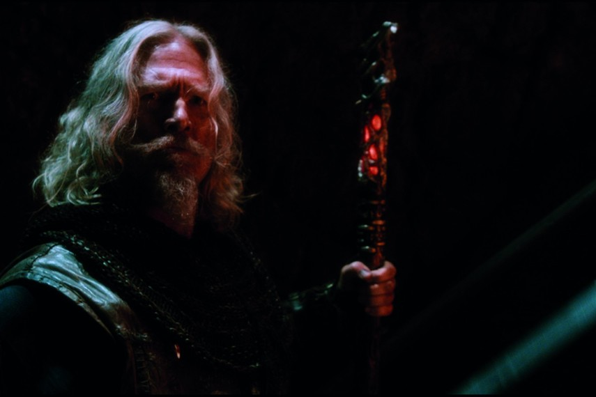 /db_data/movies/seventhson/scen/l/410_Master_Gregory_Jeff_Bridges.jpg