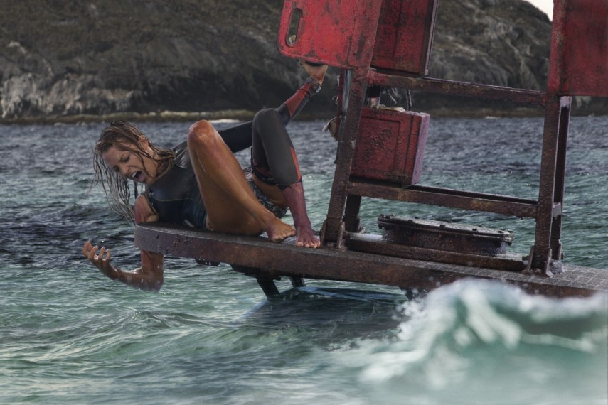 /db_data/movies/shallows/scen/l/410_15_-_Nancy_Blake_Lively.jpg