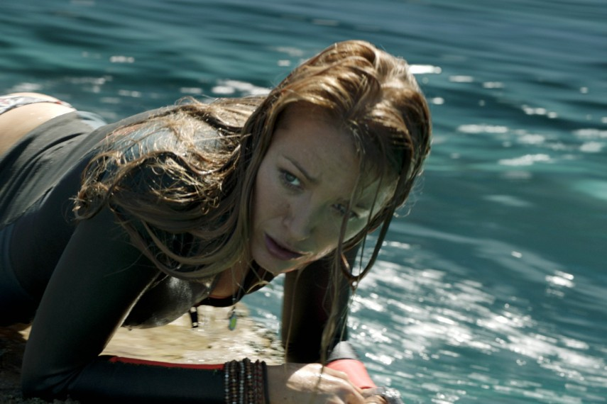 /db_data/movies/shallows/scen/l/410_20_-_Nancy_Blake_Lively.jpg