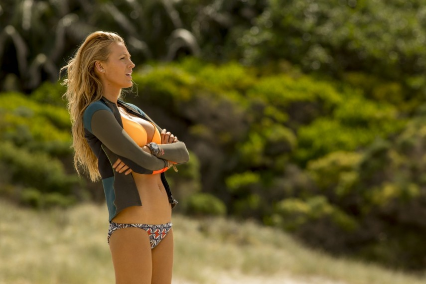 /db_data/movies/shallows/scen/l/410_23_-_Nancy_Blake_Lively.jpg