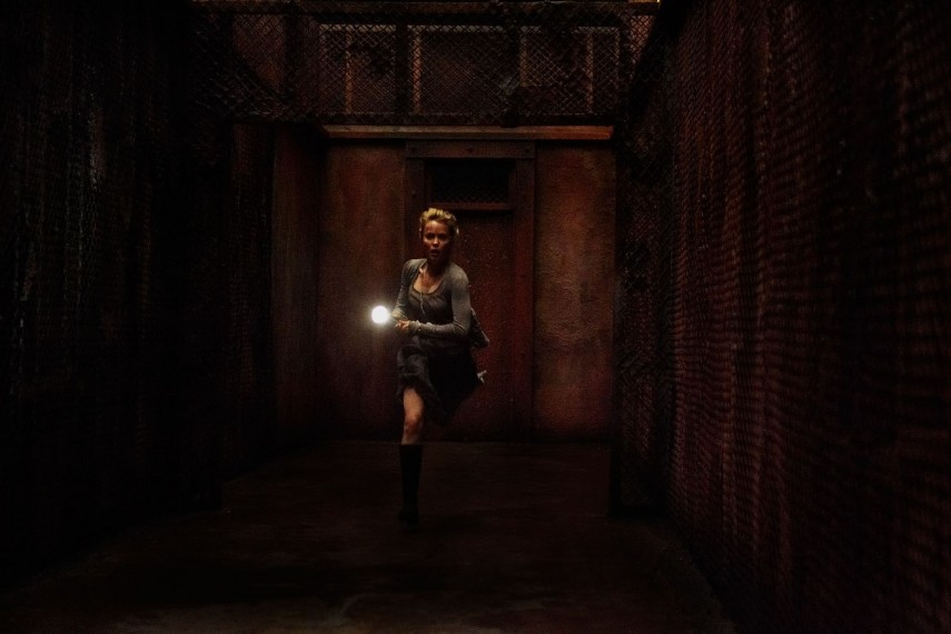 /db_data/movies/silenthill/scen/l/SILENT-HILL_02.jpg