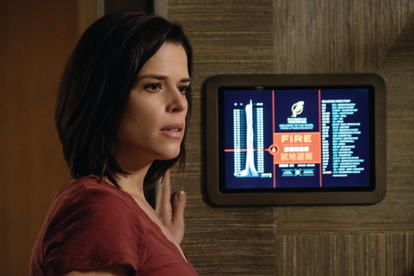 /db_data/movies/skyscraper/scen/l/410_10_-_Sarah_Neve_Campbell.jpg