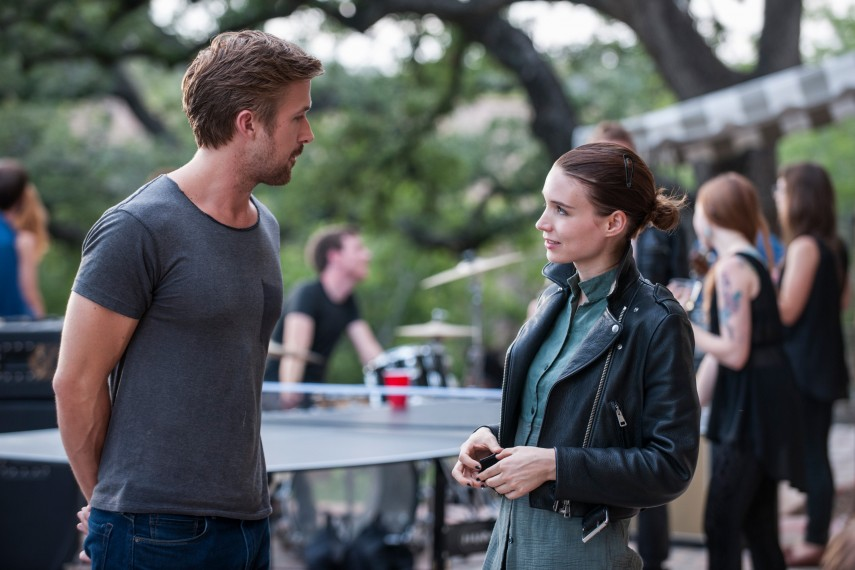 /db_data/movies/songtosong/scen/l/410_07_-_BV_Ryan_Gosling_Faye_.jpg