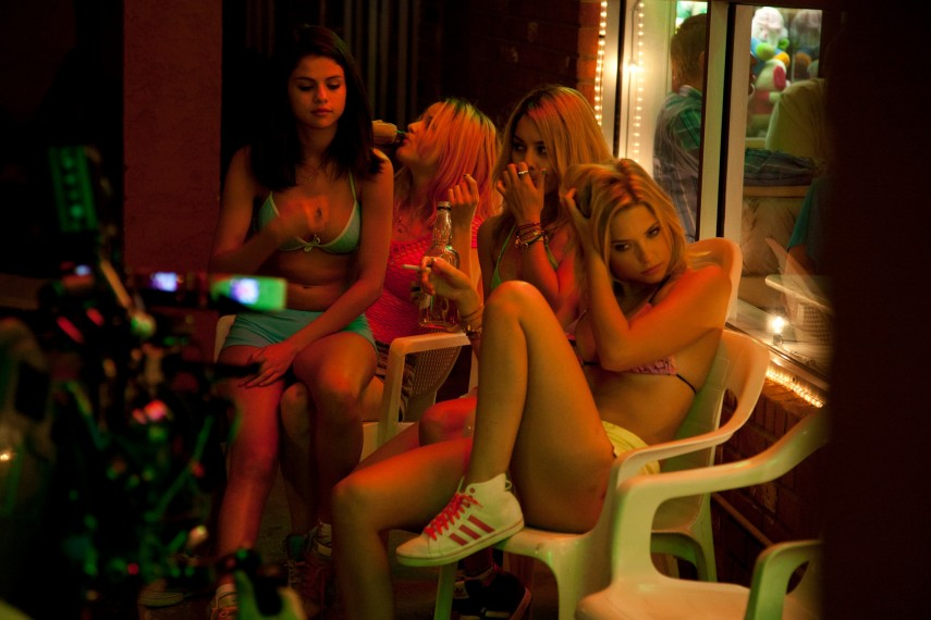 /db_data/movies/springbreakers/scen/l/67649E3A-A924-0CE8-EEDA5E122FCB3075.jpg