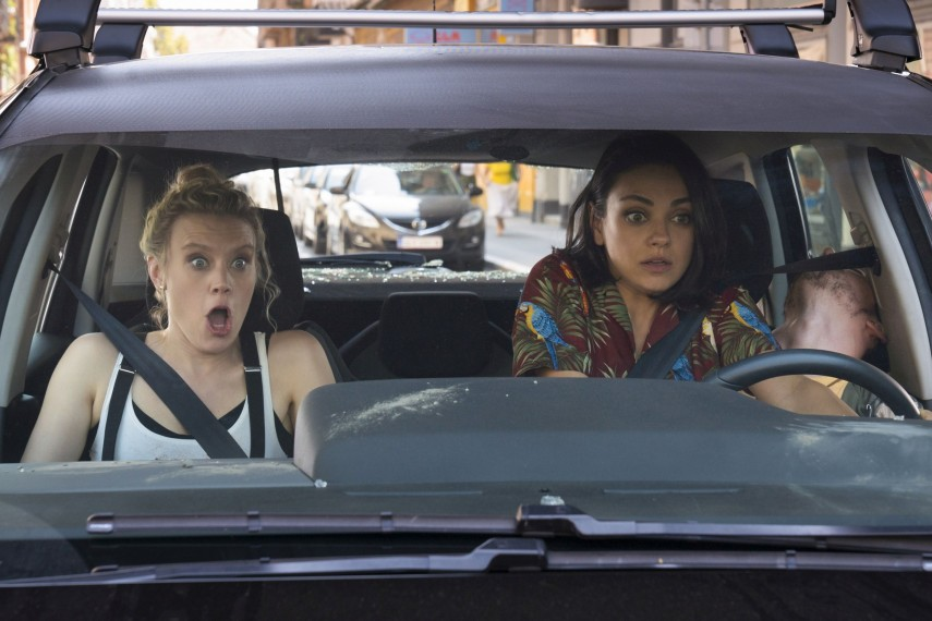 /db_data/movies/spywhodumpedme/scen/l/410_03_-_Morgan_Kate_McKinnon_.jpg