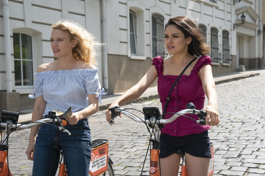 /db_data/movies/spywhodumpedme/scen/l/410_13_-_Morgan_Kate_McKinnon_.jpg