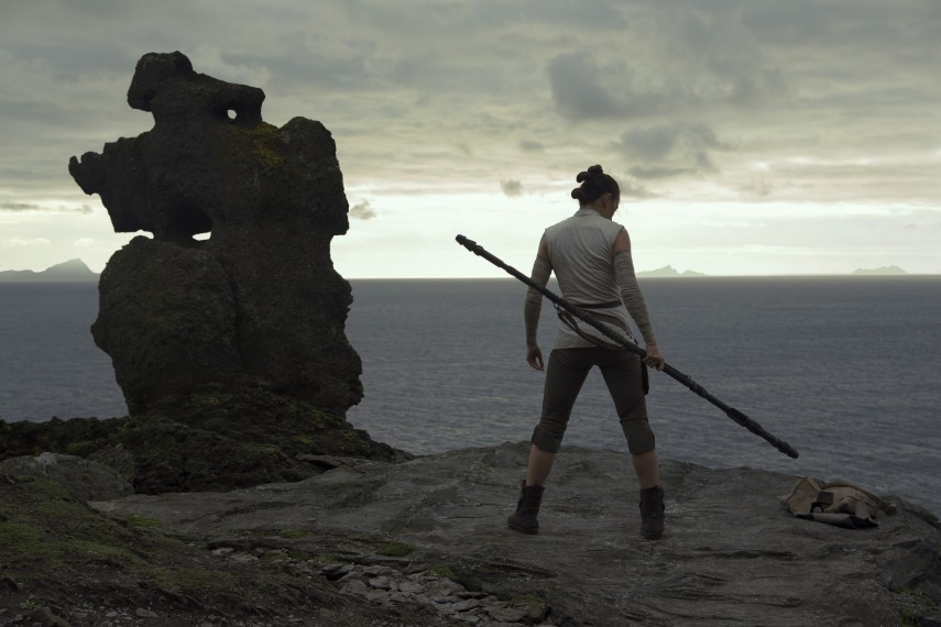 /db_data/movies/starwarsepisode8/scen/l/410_18_-_Rey_Daisy_Ridley.jpg