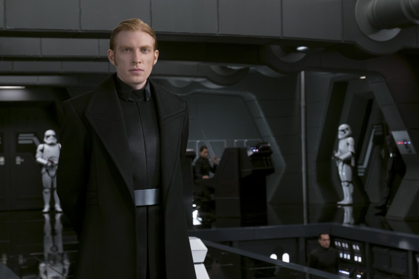 /db_data/movies/starwarsepisode8/scen/l/410_22_-_General_Hux_Domhnall_.jpg