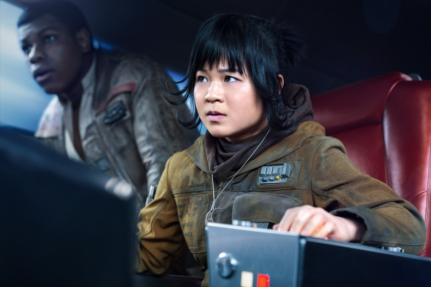 /db_data/movies/starwarsepisode8/scen/l/410_30_-_Finn_John_Boyega_Rose.jpg