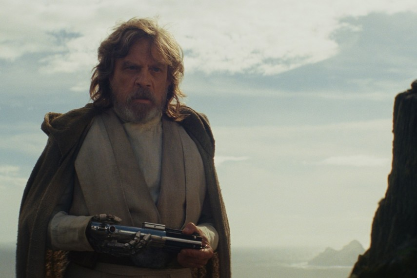 /db_data/movies/starwarsepisode8/scen/l/410_39_-_Luke_Skywalker_Mark_Hamill.jpg