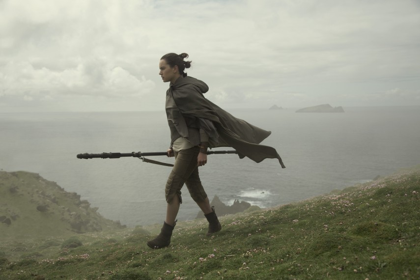 /db_data/movies/starwarsepisode8/scen/l/410_41_-_Rey_Daisy_Ridley.jpg