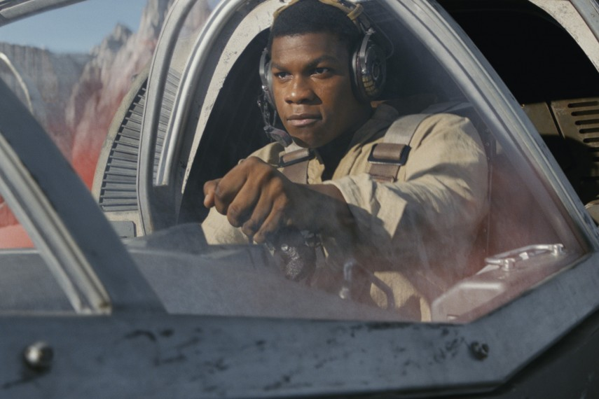 /db_data/movies/starwarsepisode8/scen/l/410_46_-_Finn_John_Boyega.jpg