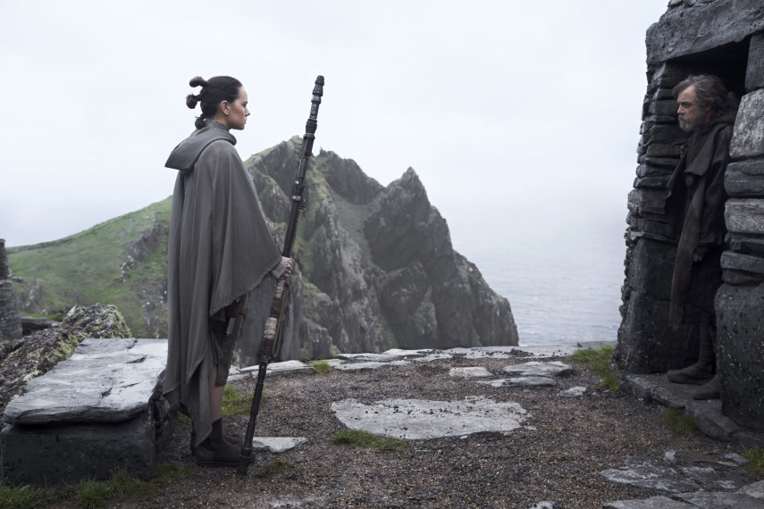 /db_data/movies/starwarsepisode8/scen/l/410_49_-_Rey_Daisy_Ridley.jpg