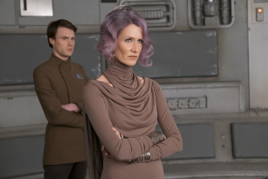 /db_data/movies/starwarsepisode8/scen/l/410_52_-_Amilyn_Laura_Dern.jpg