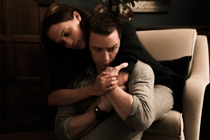 /db_data/movies/submergence/scen/l/410_01_-_Danielle_Alicia_Vikan.jpg