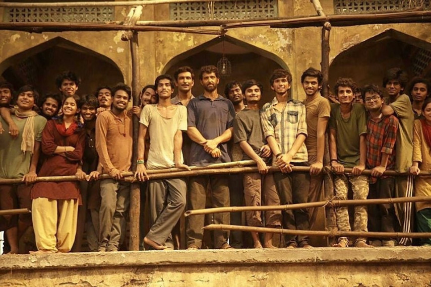 /db_data/movies/super30/scen/l/61983991_614133392407023_66177.jpg
