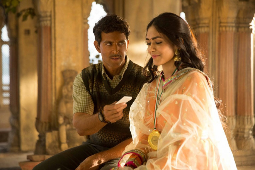/db_data/movies/super30/scen/l/64218411_618073232013039_88168.jpg