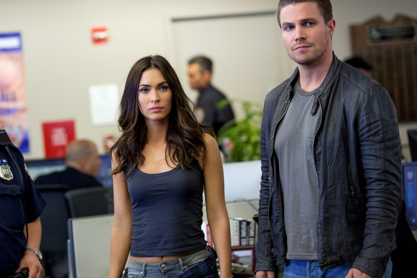 /db_data/movies/teenagemutantninjaturtles20142/scen/l/April_and_Casey_Fox_and_Amell.jpg