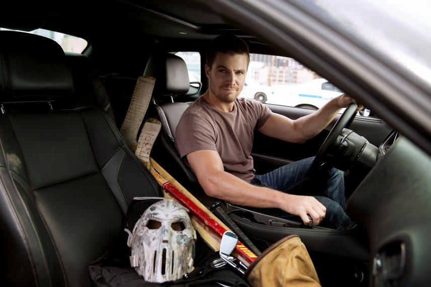 /db_data/movies/teenagemutantninjaturtles20142/scen/l/Stephen_Amell_as_Casey_Jones.jpg
