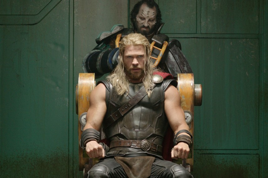 /db_data/movies/thor3/scen/l/410_41_-_Thor_Chris_Hemsworth.jpg