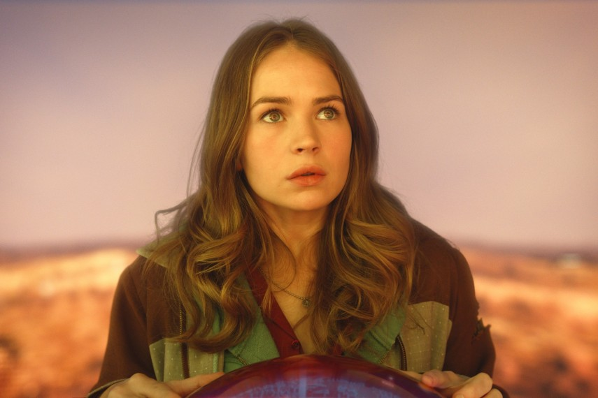/db_data/movies/tomorrowland/scen/l/410_17__Casey_Britt_Robertson.jpg