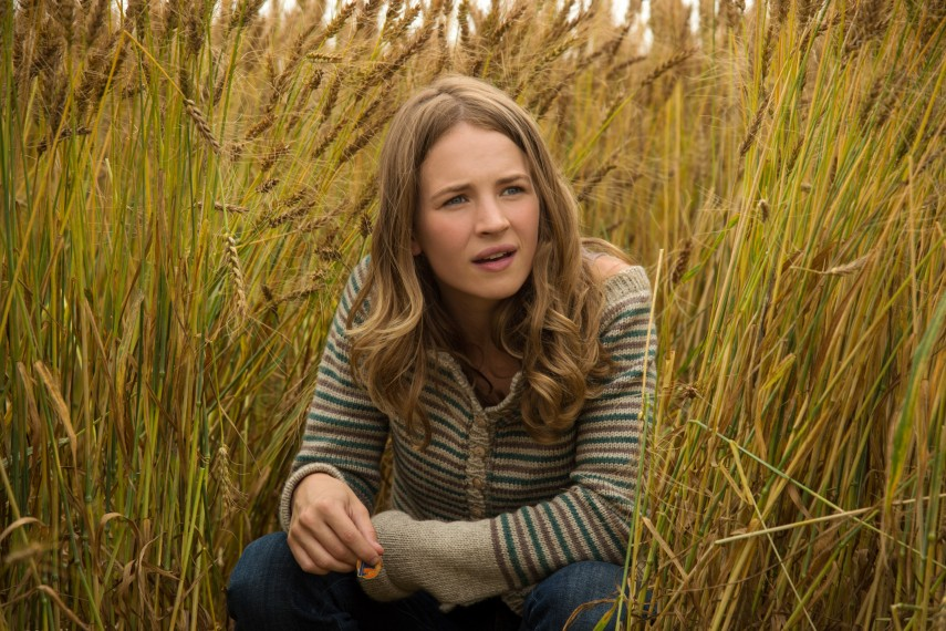 /db_data/movies/tomorrowland/scen/l/410_18__Casey_Britt_Robertson.jpg