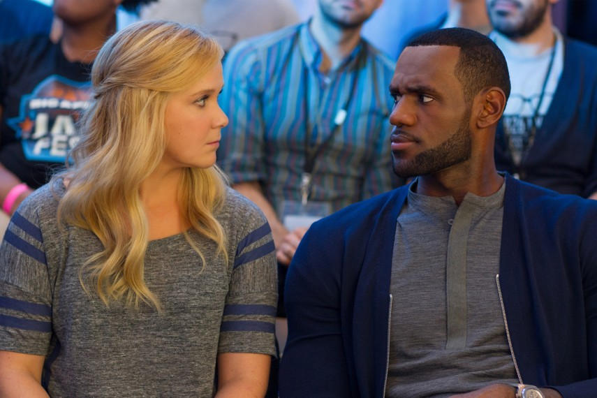 /db_data/movies/trainwreck/scen/l/Amy_and_LeBron_James.jpg