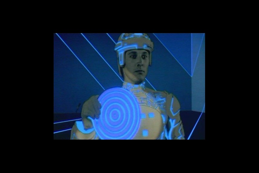 /db_data/movies/tron/scen/l/tron_large_02.jpg