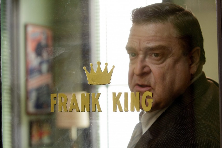 /db_data/movies/trumbo/scen/l/410_05__Frank_King_John_Goodman.jpg